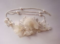 Bridal+Lace+Hairpiece.+1920s+Flapper+Inspired+by+allaboutromance,+$130.00 Pixie Crop, Short Pixie, Diy Hairstyles, Wedding Hairstyles, Short Hair Accessories, Lace Hairpiece, 1920s Flapper, Bridal Lace, Hair Pieces
