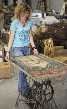Check out what Amie used to create a Singer sewing machine table.
