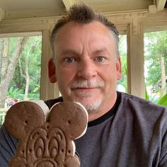 A little bit of Disney would be good right now. LOL who am I kidding...a lotta bit of Disney would be awesome.  #magickingdom #waltdisney #themepark #dizcolors #DisneyColors #madetothrill #disneyside #wdw #disneyparks #hollywoodstudios #epcot #clouds #skies #wdwbde #instadisney #igers_wdw #disneylife #seeyarealsoon #disneylife #happilyeverafter #disneypic #wdwbestdayever #disneyphotography #disneyphoto #disneyig #happiestplaceonearth #disneydad #animalkingdom #festivalofthelionking… Disney Food, Disney Parks, Walt Disney, Eric Jones, Main Food Groups, Disney Colors, Hollywood Studios, Photos For Sale, Disney Pictures