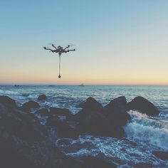 @thedronewolf and @cadronesupply picking up a few sunset shots in 360 on the coast of California. What would you want to capture in VR with the ALTA?  Photo: @beardslyriver  #FreeflyALTA #LookToTheSky #GoPro #VR #VirtualReality #AerialCinematography #Drone by freeflysystems