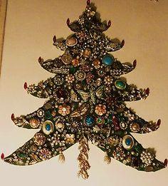 Vintage Rhinstone Jewelry Christmas Tree Framed Art, Estate Find - old jewelry | eBay