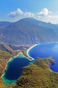 Пляжный курорт Олюдениз в регионе Фетхие. Средиземное море, Турция.