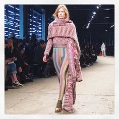 Ciao @missoni  #MFW #missoni #runway #amazing #show #fashionista #camiwishlist #wantitall #milano #beinspired #fashion #love #igers #aboutalook #style #womenswear #tuttifelice #FW16 #bellissimo #cozy #details #milanfashionweek #look #fashionigers #italiansdoitbetter #fashionaddict