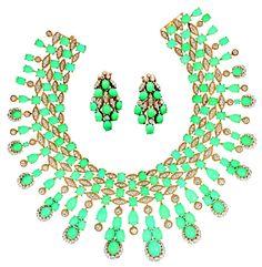 1973: Collier et paire de motifs d'oreilles Panka, Paris, Or, turquoises taille cabochon, diamants taille brillant   Collection Van Cleef & Arpels   © Patrick Gries / Van Cleef & Arpels