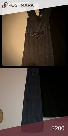 Dinner gown Grey sparkling dinner long gown with an underburst sparkle embroidery. Dresses Prom