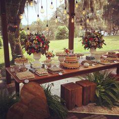 Party Table Decorations, Wedding Reception Decorations, Wedding Table, Sunflower Wedding Centerpieces, Wedding Desserts, Dessert Table, Garden Wedding, Wedding Planning, Friend Wedding