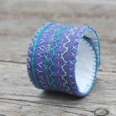 embroidered felt cuff bracelet by HGK ( blog: hetkabinet.blogspot.com )