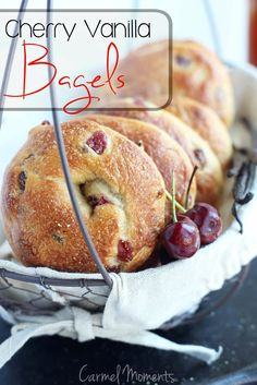 Cherry studded bagels enhanced with delicious vanilla. All the flavor of Panera Bread. Chewy bagels that have the perfect flavor. Copycat Recipes, Bread Recipes, Baking Recipes, Nutella Recipes, Chicken Recipes, Oreo Dessert, Mini Desserts, Plated Desserts, Brunch Recipes