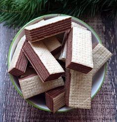 Wafle z masą kakaową – Smaki na talerzu Polish Recipes, Polish Food, Unique Desserts, Sweets Cake, Happy Foods, Fudge, Sweet Tooth, Nutella, Bakery