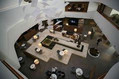 Tanju Özelgin designed the lobby for the Radisson Airport Hotel in Istanbul, Turkey.