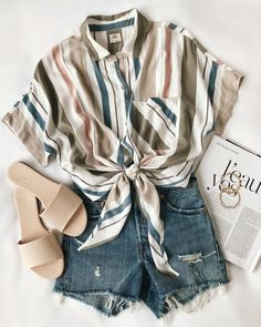 Unravel Casual Outfit inspirations (but stylish) fashion girls will be trying this season. casual outfits for work Hipster Outfits, Casual Summer Outfits, Mode Outfits, Spring Outfits, Trendy Outfits, Summer Clothes, Beach Outfits, Vintage Summer Outfits, Shorts Outfits For Teens