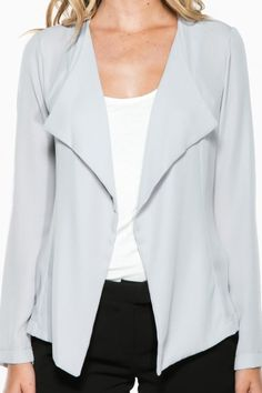 Comfort and ease. Trista Jacket in Grey.