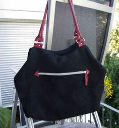 Melanies Arya- schlicht scjhwarz mit roten Akzenten. Arya, Bags, Fashion, Red Accents, Bags Sewing, Purses, Moda, Fashion Styles, Taschen