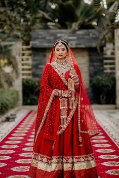 Lehenga idea For brides Indian Bridal Photos, Indian Bridal Outfits, Indian Bridal Fashion, Indian Bridal Wear, Indian Designer Outfits, Wedding Lehenga Designs, Designer Bridal Lehenga, Indian Bridal Lehenga, Red Lehenga