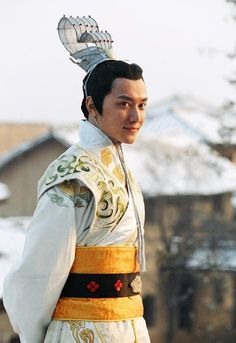 Handsome Chinese actore William Feng Shaofeng picture (86) Chinese ancient to modern fashion and costumes
