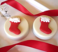 Christmas Stocking Chocolate Covered Oreos by Cakery Creation. www.cakerycreation.com