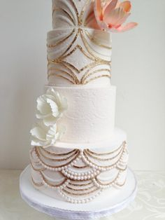 White art deco cake with pearls Great Gatsby Wedding, 1920s Wedding, Wedding Shit, Wedding Dj, Art Deco Cake, Cake Art, Wedding Cake Inspiration, Wedding Ideas, Wedding Photos