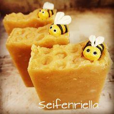 #honeysoap #Seife #wissenwasdrinnist #natur #kleinebiene #honig #bienchen #seifenliebe #palmölfrei #keinplastik Pineapple, Fruit, Instagram, Food, Honey, Nature, Pine Apple, Essen, Meals