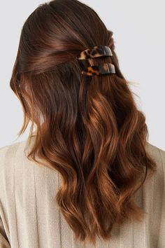Long Wavy Ash-Brown Balayage - 20 Light Brown Hair Color Ideas for Your New Look - The Trending Hairstyle Golden Brown Hair, Brown Blonde Hair, Brown Hair With Highlights, Light Brown Hair, Dark Hair, Light Chocolate Brown Hair, Reddish Brown, Blonde Brunette, Hair Color Auburn
