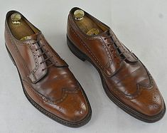CHURCH'S CHETWYND Brogues Walnut Brown UK 10 F 44-44,5 30 cm Marrone Scarpa  #Church #Brogues Men Dress, Dress Shoes, Good Looking Men, Brogues, Shoe Collection, How To Look Better, Oxford Shoes, Lace Up, Brown