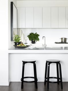 The Melbourne home of Brooke and Jay Pertzel. Photo by Sean Fennessy for thedesignfiles.net