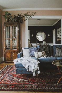 Living Room Carpet, Home Living Room, Living Room Designs, Living Spaces, Blue Velvet Sofa Living Room, Red Persian Rug Living Room, Living Room Trends, 1970s Living Room, Persian Decor
