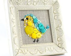 Personalizada bebé pájaro botón arte - hecho a la medida del colgante de pared botón imagen - decoración infantil - niños sala Decor - arte de la pared de pájaro - personalizada