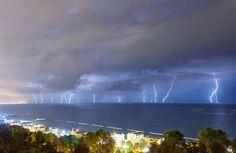 Anche quando piove a Gabicce è uno spettacolo. Foto di Nicolò Ubalducci #gabicce #destinazionemarche #mare #sea #hotelacrux