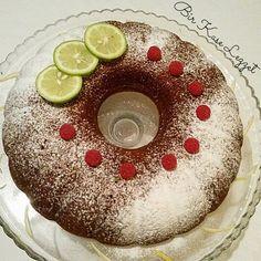 Haşhaşlı pratik kek       HAYIRLI CUMALAR  NASILSINIZ???  Halimi soran canlara teşekkür ederim...   Biraz ara verdim umreye gittim geldim po...