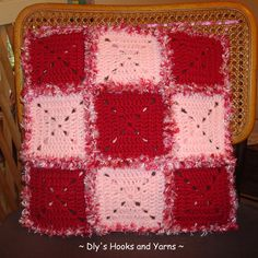 ~ Dly's Hooks and Yarns ~: ~ ragg crochet pillow ~