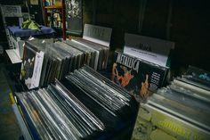 Магазин виниловых пластинок Контрабанда