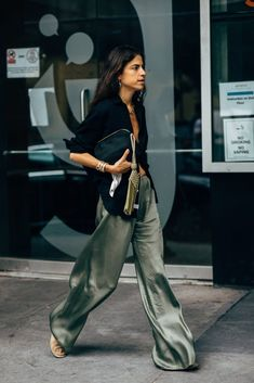 Belted crinkled-gauze jumpsuit New York Fashion Week's Best D. - Belted crinkled-gauze jumpsuit New York Fashion Week's Best Dressed Looks Street Style, Looks Style, Mode Outfits, Fashion Outfits, Fashion Trends, Editorial Fashion, Travel Outfits, Casual Outfits, Fashion Clothes