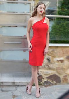 Our One Shoulder Dress is perfect whether you are looking for a Little Red Dress! Discover now sexy Cocktail Mini dress from Stylati! Sport Chic, Fashion Seasons, Spring Summer 2018, Pastel Colors, Print Patterns, One Shoulder, Sequins, Red, Fashion Trends
