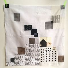 Hope to have some spare time this weekend to make more iprov irish chain quilt blocks Irish Chain Quilt, Quilt Labels, Quilt Blocks, Reusable Tote Bags, Quilts, How To Make, Instagram, Quilt Sets, Log Cabin Quilts