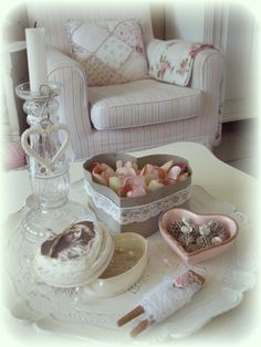 Shabby, brocante, vintage, hearts and lace, things I ♡