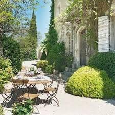 Afbeeldingsresultaat voor tuinen in de style van de provence
