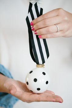 18 Black + White Holiday Decorations That'll Make You Forget About Red + Green | Brit + Co