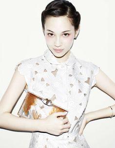 今夏日本人氣眼下腮紅妝!看大小S 、水原希子真人示範 - Marie Claire 美麗佳人風格時尚網