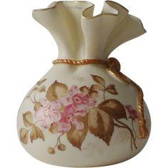 1888 Royal Worcester Porcelain Pink Floral Blush Ivory Sack Top Round Vase Gold…