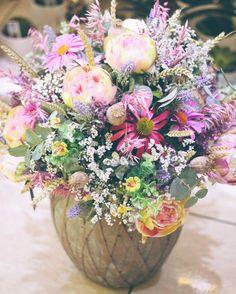 Slovenské leto #kvetysilvia #kvetinarstvo #kvety #slovenskeleto #love #instagood #cute #follow #photooftheday #beautiful #tagsforlikes #happy #like4like #nature #style #nofilter #pretty #flowers #design #awesome #door #home #handmade #flower #summer #candles #vintage #floral #naturelovers #picoftheday