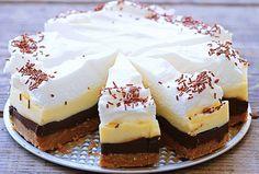 Brzo i bez pečenja: Kinder torta u četiri boje No Bake Cookies, No Bake Cake, Tea Cakes, Cupcake Cakes, Cheesecake Ice Cream, Kolaci I Torte, Ice Cream Candy, Czech Recipes, Healthy Cake