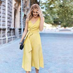 Robe jaune cache coeur Invitée mariage Boden