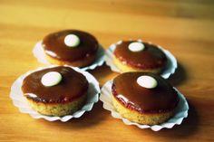 apróság finomság Cupcake, Muffin, Breakfast, Food, Morning Coffee, Cupcakes, Essen, Cupcake Cakes, Muffins