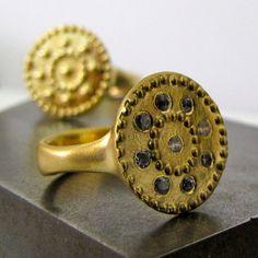 18K Gold Ethnic Earrings & Diamond di AmorGoldsmith su Etsy