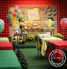 decoração-tema-dpa-Curitiba Alice, Malu, Buffet, Table Decorations, Party, Furniture, Home Decor, Ideas Aniversario, Ideas Party