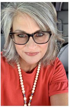 Long Gray Hair, Short Thin Hair, Short Hair Cuts For Women, Grey Hair Over 50, Medium Hair Cuts, Medium Hair Styles, Curly Hair Styles, Grey Hair And Glasses, Grey Hair Transformation