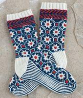 Star Lattice Socks pattern by Donna Druchunas