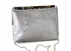 BORSA SILVER RETRO Miniature, Wallet, Chain, Fashion, Moda, Fashion Styles, Necklaces, Miniatures, Fashion Illustrations