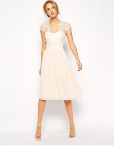 Une robe mi-longue - Mlle Bride