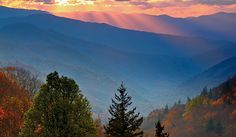 Smoky Mountains National Park: Mid-Smokies Circuit: String together the Appalachian, Benton MacKaye, and Mountains-to-Sea Trails for a 48-mile instant classic that hits the park's best views and backcountry campsites.